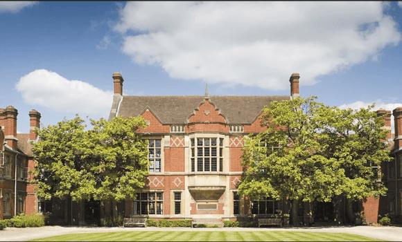 Υποτροφίες για μεταπτυχιακές σπουδές στο Reading University στην Αγγλία